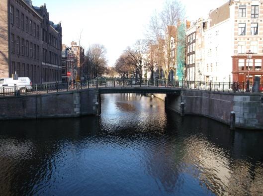 Pagi Amsterdam - tenang dan syahdu.