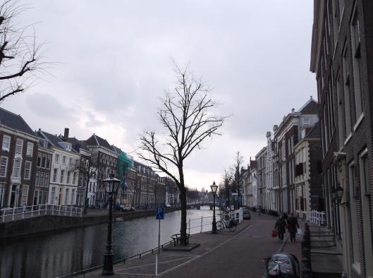 Terusan di luar rumah Siebold. Leiden, Belanda.