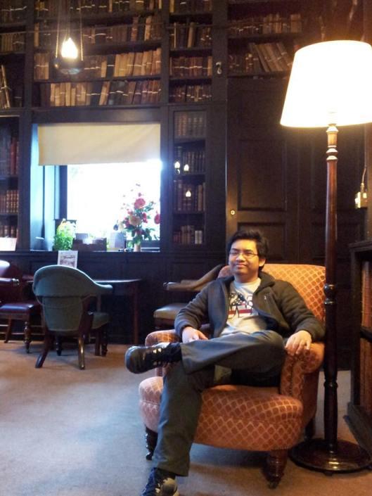 Bilik bacaan di Portico Library, sejurus sebelum program bermula.